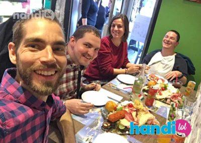 21 mai 2019 : repas à Lyon dans un restaurant italien, avec Edouard et Marie Fournier, guide accompagnatrice de voyage pour personnes en situation de handicap
